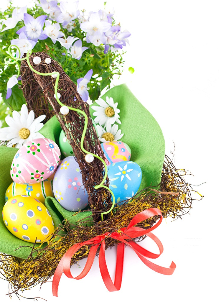 Holidays_Easter_Camomiles_White_background_Eggs_517400_1280x1024.jpg